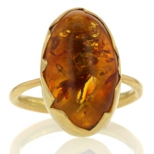 Amber 18k Egg Ring Image