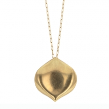 Medium Rose Petal Gold Necklace Image