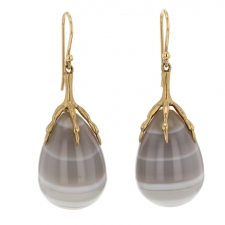 Agate Claw 10k Gold Earrings