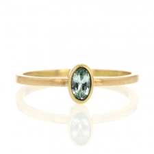 Aquamarine Oval 18k Gold Ring Image