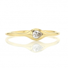 Pear Shape Diamond 18k Gold Ring Image