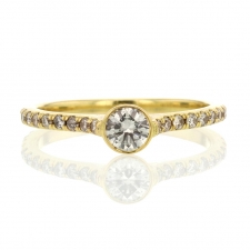 Champagne Diamond Solitaire 18k Yellow Gold Pave Shoulder Ring Image