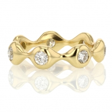 Sculptural Round Brilliant Eternity 18k Gold Band Image
