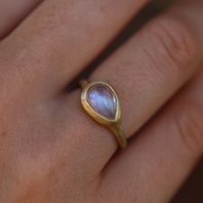 Smooth Rainbow Moonstone Teardrop Gold Ring Image