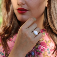 Oval Rose Quartz Ring with Diamond Accent Image