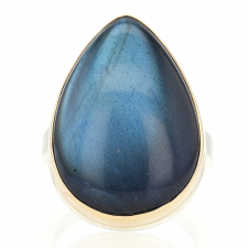 Vertical Teardrop Smooth Labradorite Ring