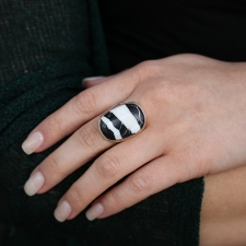 Oval Vertical White Buffalo Turquoise Ring Image
