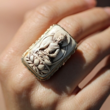 Shakyamuni Buddha Gold Conch Shell Ring Image