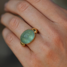Carved Aquamarine Gold Ring Image