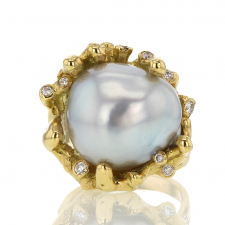 Platinum Pearl 18k Gold Ring with Diamonds Image