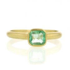 Square Emerald Gold Ring Image