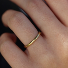 Rounded Minimal 18k Gold Band Image