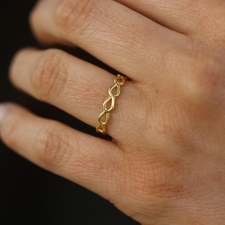 18k Yellow Gold Pear Lace Ring Image
