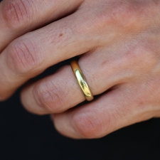 Gold Rounded Band Image