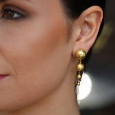 18k Gold Boules Hanging Earrings Image