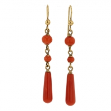 Vintage Coral 18k Gold Earrings Image