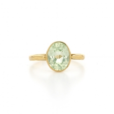 Oval Spinel 18k gold Ring Image
