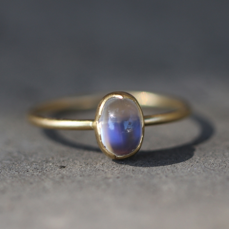 Small Rainbow Moonstone Egg 18K Gold Ring