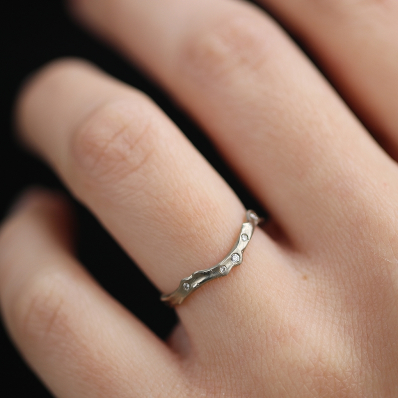 18k White Gold Coral Stick Scattered Diamond Ring