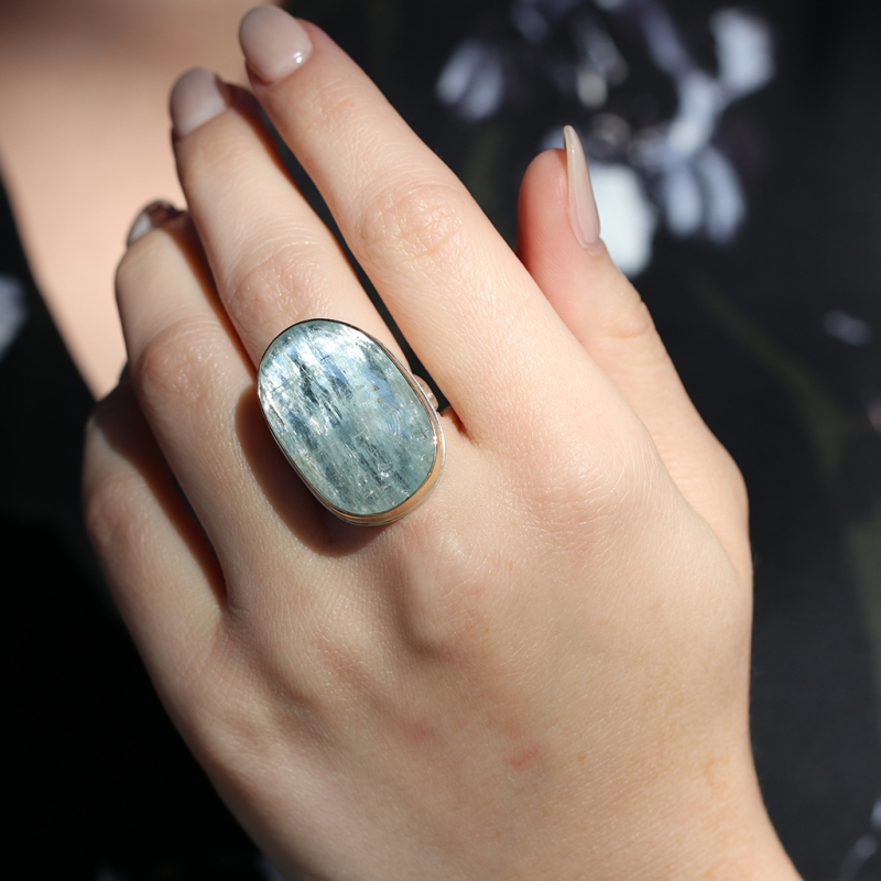 Vertical Rose Cut Aquamarine Silver and Gold Ring