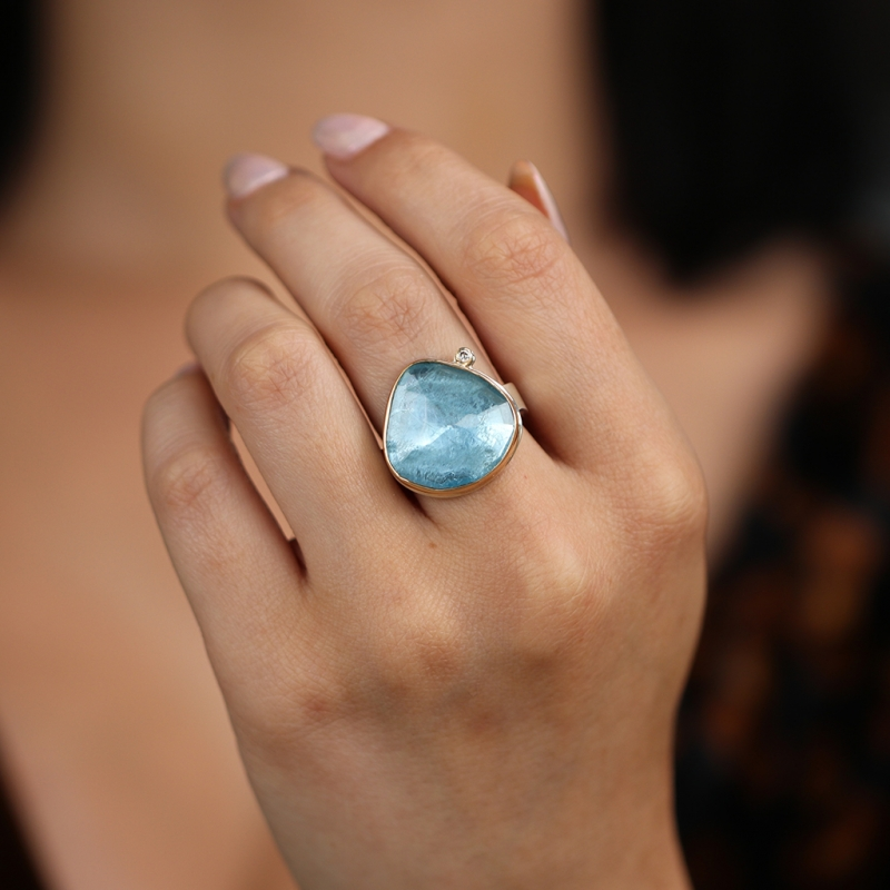 Aquamarine Ring with Satellite Diamond