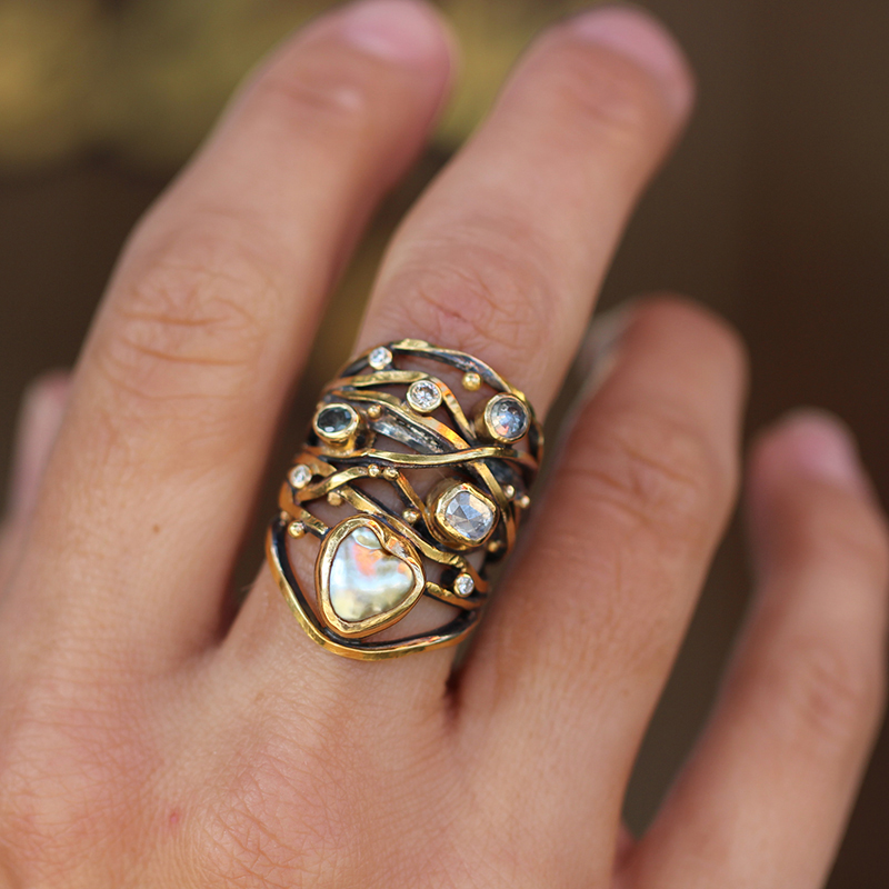 Twisted Ring with Keishi Pearl, Sapphire and Diamonds