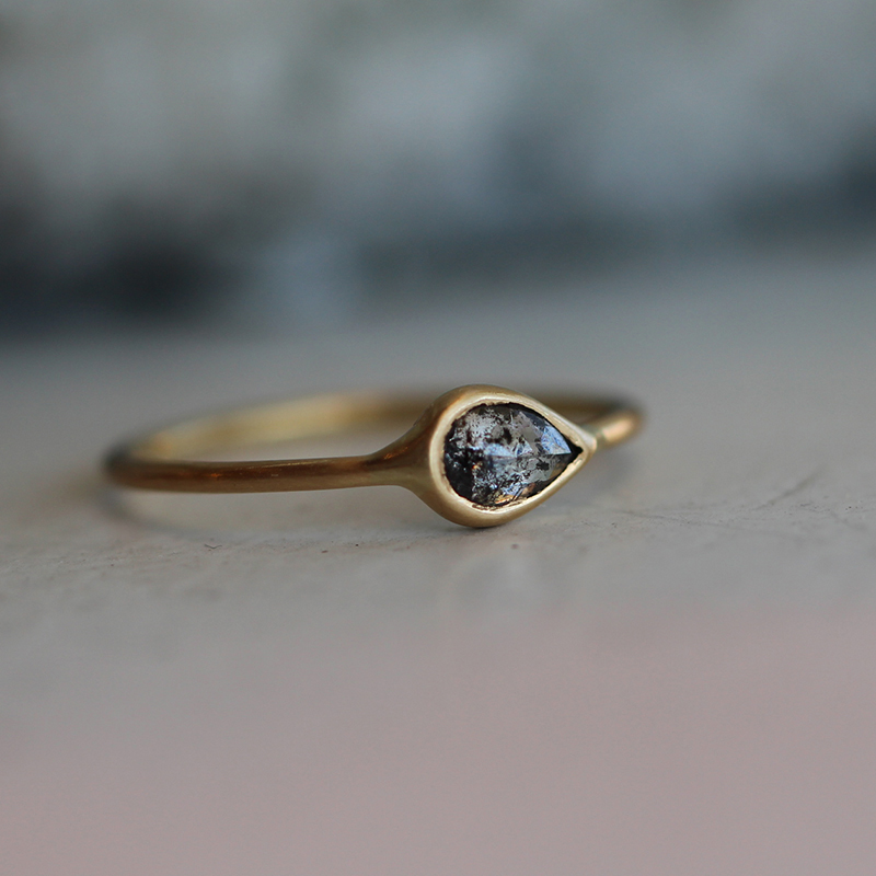 Diamond 18k Yellow Gold Delicate Ring