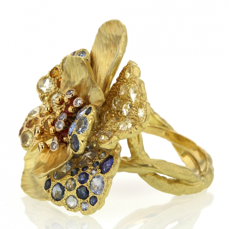 18k Gold Diamond and Sapphire Flower Ring