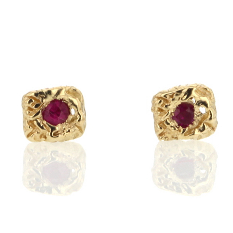 Carved Lace Pink Sapphire Gold Stud Earrings