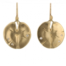 Medium Lily Pad 14k Gold Hanging Earrings Image