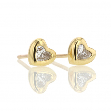 Diamond Heart 18k Gold Stud Earrings Image