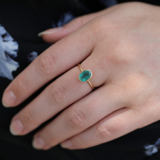 Oval Emerald 14k Gold Ring Image
