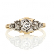 Vintage Gold Ring with Diamonds Image