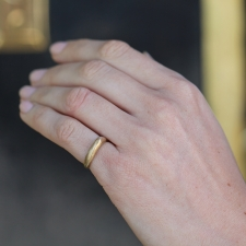 Round Angle Gold Ring Image