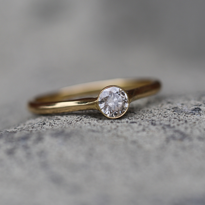 Champagne Diamond Solitaire 18k Yellow Gold Ring